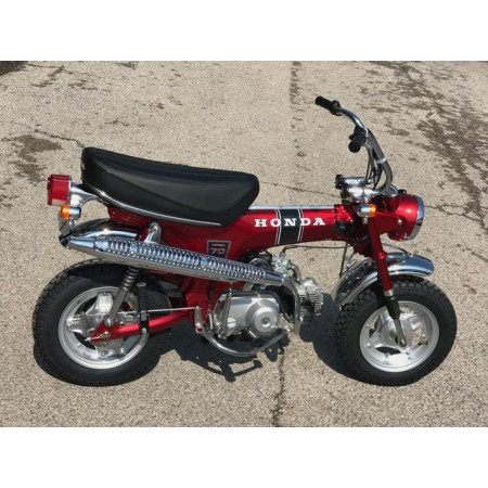 HONDA DAX ST70 1971 CANDY RED