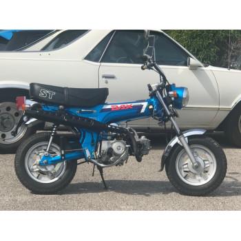Honda Dax ST70 bleu Saphire de 1987 entièrement d'origine et en parfait état de marche