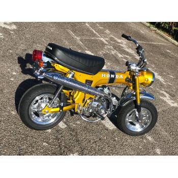 Honda Dax ST70 Gold de 1970 entièrement restauré, moteur et châssis