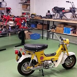 Restauration de motos de collection - Spécialiste Honda Dax ST70
